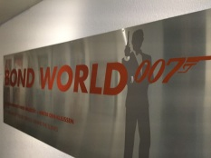 Bond World 007